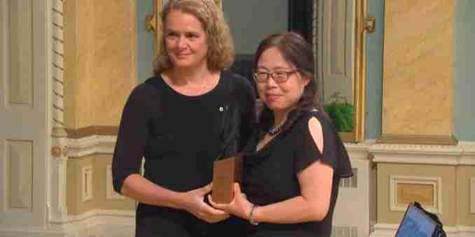 Kinesisk forsker eskorteret fra laboratorium for infektionssygdomme midt i RCMP-undersøgelse